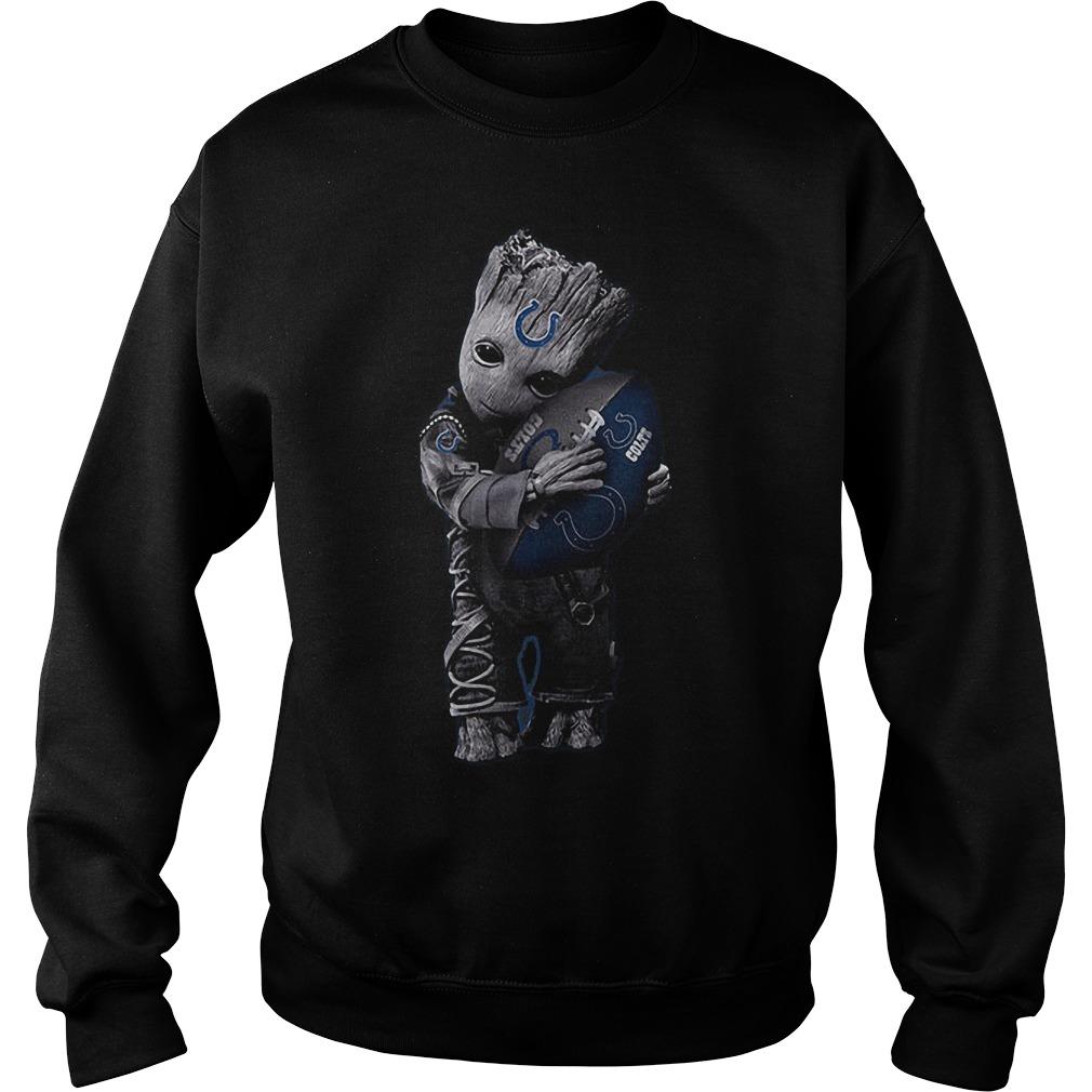Baby Groot Hug Indianapolis Colts Football NFL T-Shirt Sweat Shirt