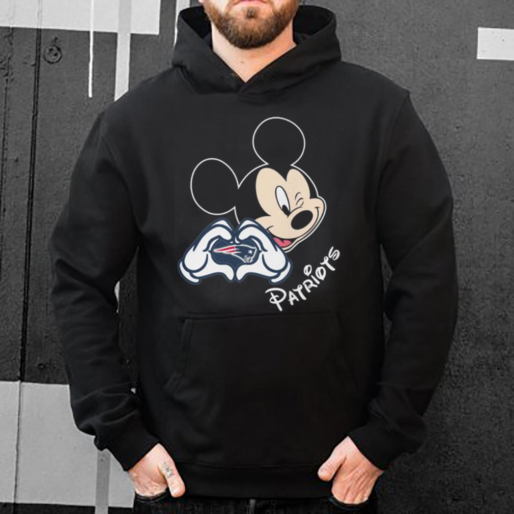 Top New England Patriots football with Mickey mouse patriots love shirt 39054f4ba